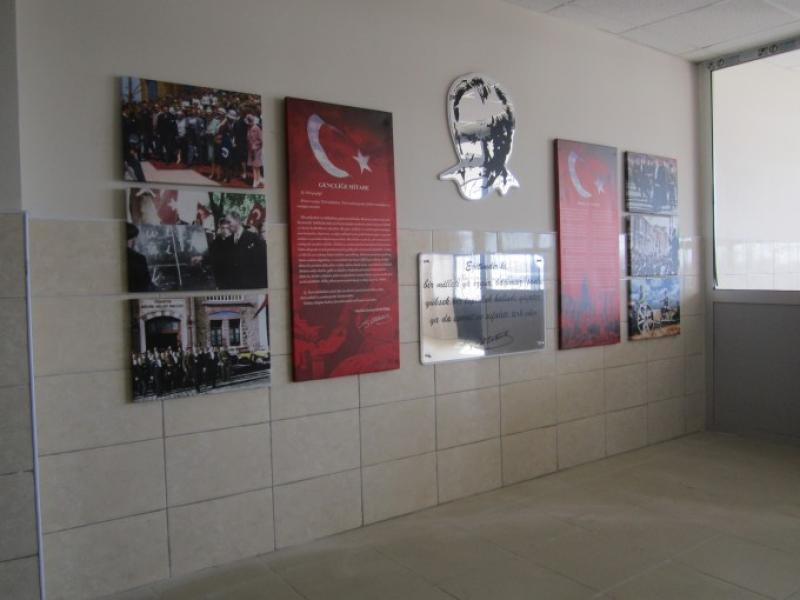 Atatürk Köşesi Projesi, ARED Eğitim Gönüllüleri'nin Desteğiyle 8. Yılında Devam Ediyor
